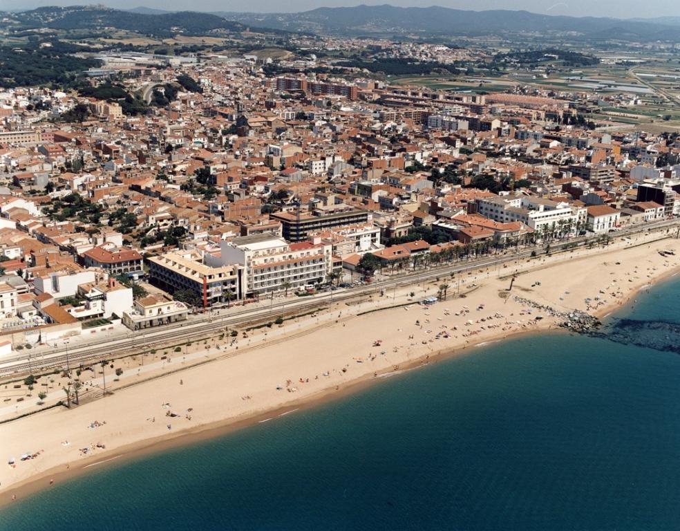Пляжи мальград де мар